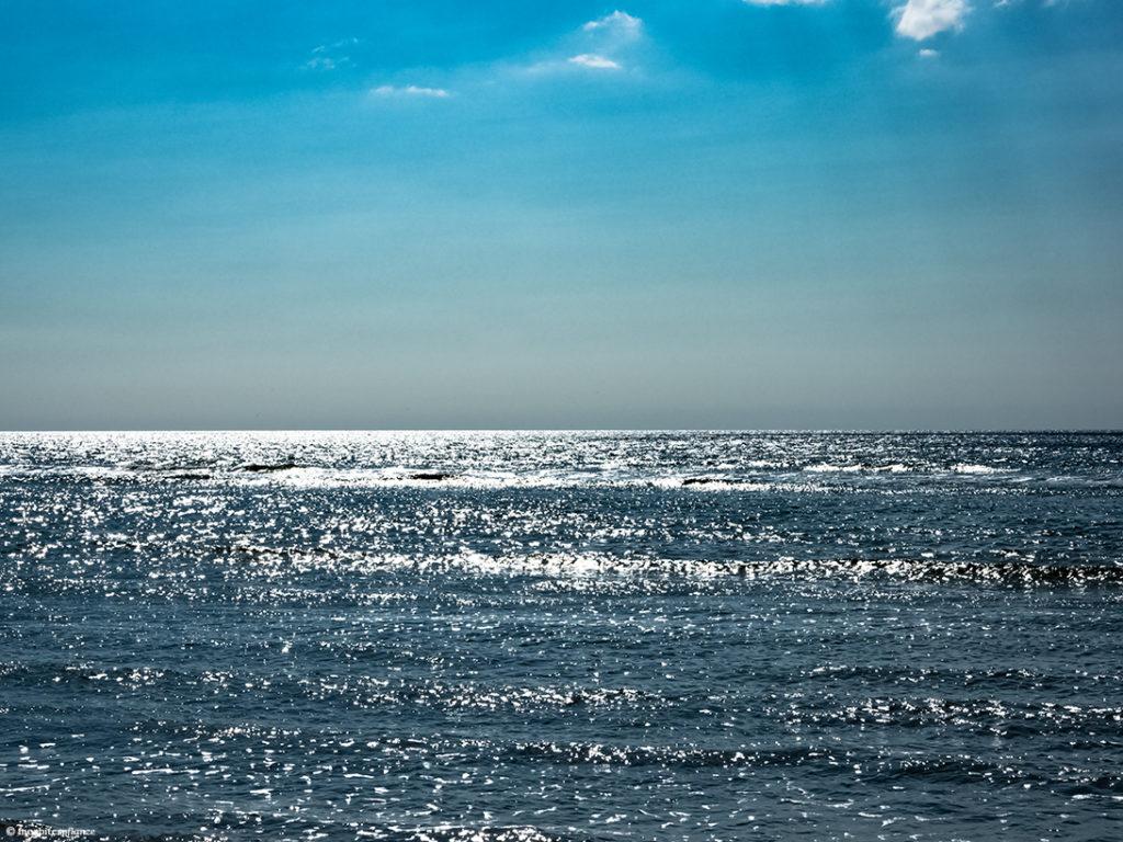 Meer, Wellen, Sonne, Blau, Lichtreflexe, Licht, Wolken, Lichtstrahlen, Sonnenstrahlen